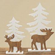 Rendier bij kerstboom