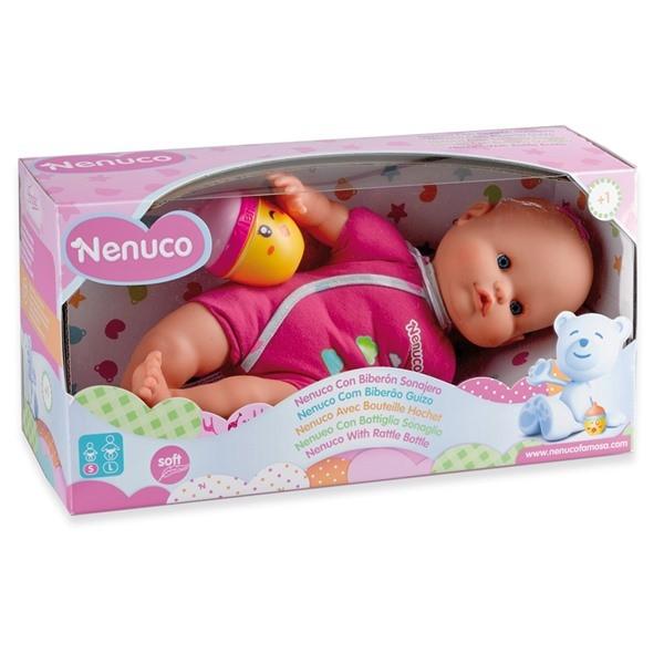 Babypop met rammelfles
